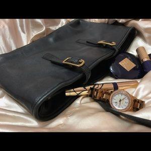 Coach Number M1D-9813 Vintage Black Leather purse